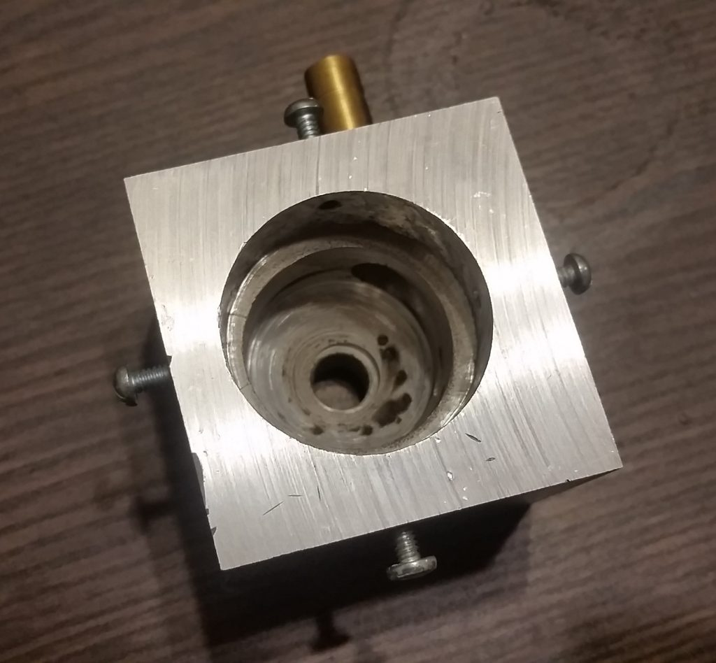 Vortex Stabilized Gliding Arc Output Electrode